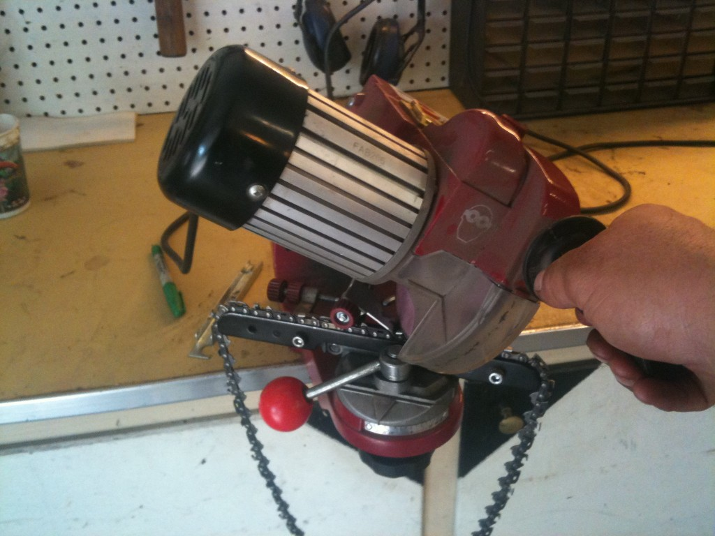 Saw Sharpening Service : Chainsaw chain sharpening repair traverse city only